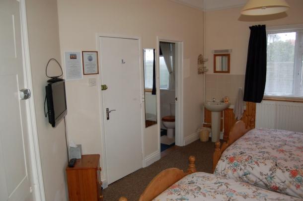 Room 6 4